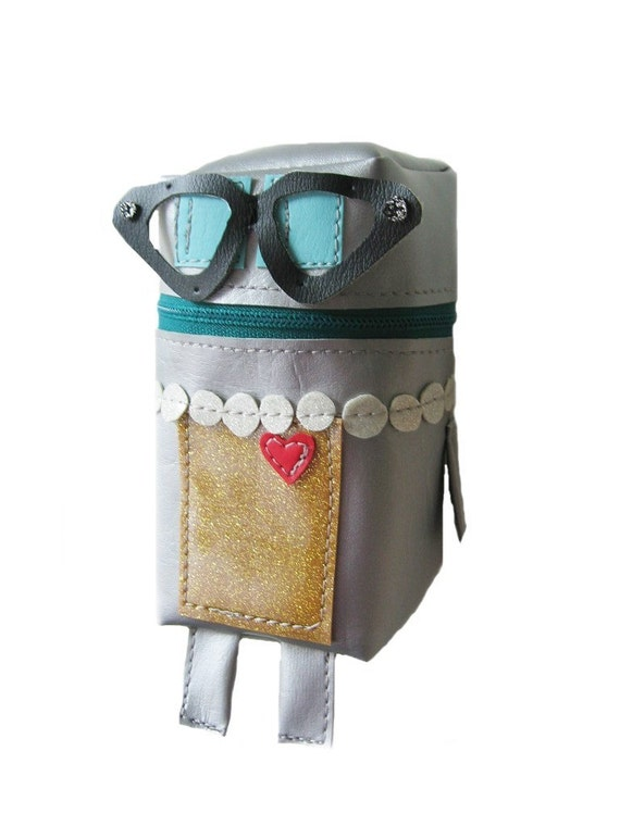 Esther Robot Pouch