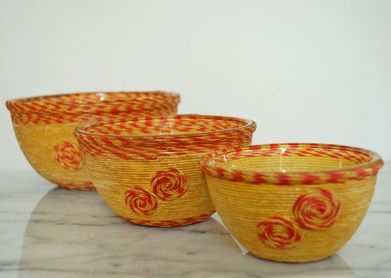 vintage nesting snack bowls - yellow and red