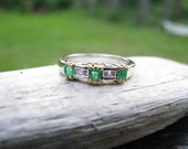 Striking Vintage 18K Gold Natural Emerald and Diamond Band Ring, 4.45 grams - Franziska