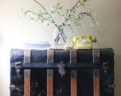 large antique steamer trunk - ModishVintage