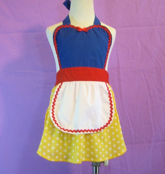 Childrens apron for girls Snow White inspired Princess childrens full apron birthday kids apron  gift