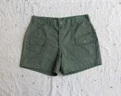 vintage c. 1970s-1980s Boy Scouts uniform shorts // olive green cargo shorts unisex - MouseTrapVintage