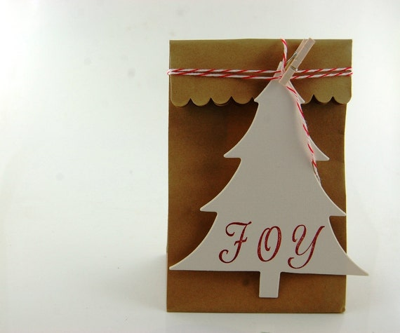 Pretty Packaging Christmas Tree Tags Kit