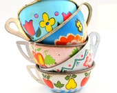 40s Tin Toy Tea cups, Set of 5 with fruit & flowers litho, Instant Collection. - OldeTymeNotions