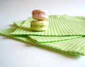 Picnic Table NAPKINS Set of 4 in Mint Green Gingham / Retro Checkered Kitchen Food Linens - Eco friendly Summer - SewnNatural