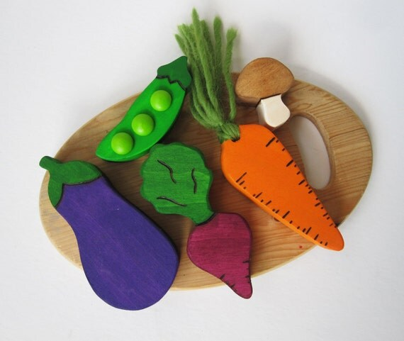 Wooden Vegtable Play food- Waldorf Eco Children Friendly