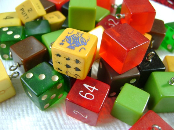 6 Bakelite Vintage Buttons Grab Bag - Antique 1940s Game Cubes