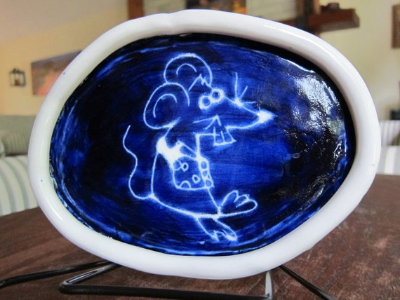 Handmade Ceramic Oval Cat food dish deep purple blue with mouse design