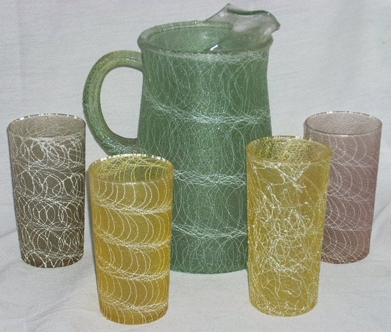 Retro Pitcher and Glasses Spaghetti String Drizzle Plastic Color Craft Coated