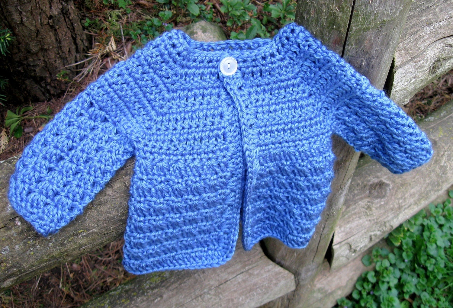 Crochet Baby Girl Cardigan Pattern Free : Crochet Patterns Baby Sweater