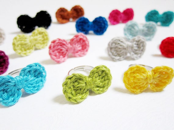 Crochet Ring - Bow Ring - Pea Green