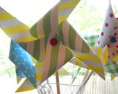 Paper Pinwheels - Primary Colors.  Listing is for 5 pinwheels. - ALittleLollipopTree