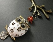 Autumn Owl Necklace. Beaded Amber Necklace with White Owl and Bronze. Handmade Jewelry. - Gilliauna