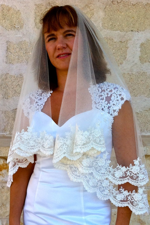 Lace Bridal Veil - with Beaded Scalloped Edge, white or ivory