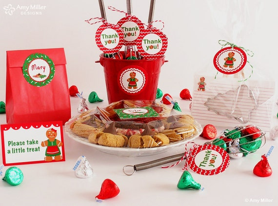 Gingerbread woman DIY favor circle tags - great for a Christmas cookie exchange party