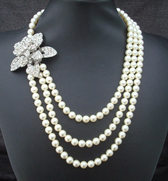 Pearl Necklace,Bridal Statement Necklace,Ivory or White  Pearls,Pearl Rhinestone Brooch,Bridal Rhinestone Necklace,Pearl,EUGENE