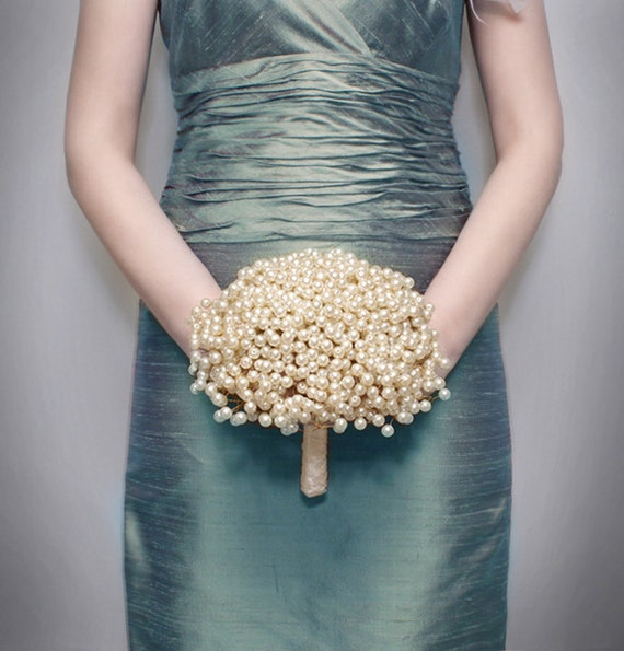 "Wedding Flowers - Bridal Bouquet of ""Vintage"" Style Large Pearl Beads - Wedding Bouquets - Brooch Bouquet Alternative"