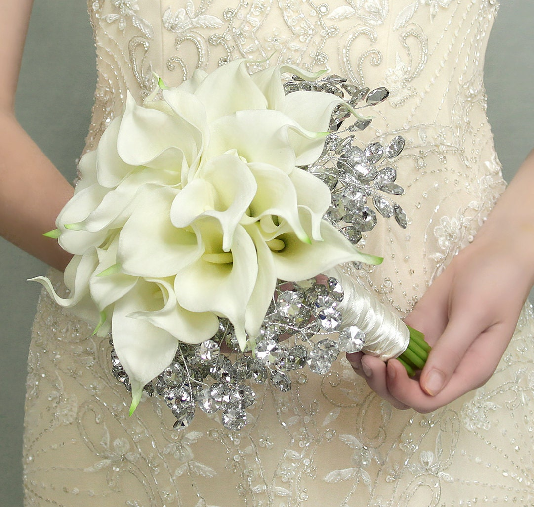 Lily Flower Wedding Bouquet: Wedding Bouquets: Fresh Wedding Bouquets