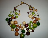 Felt and wood Bead necklace - green forest - creativedesignsstore