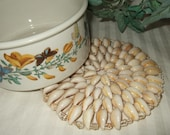 Vintage trivet, shell trivet handmade.  Cont. US shipping included - vintagehillbillies
