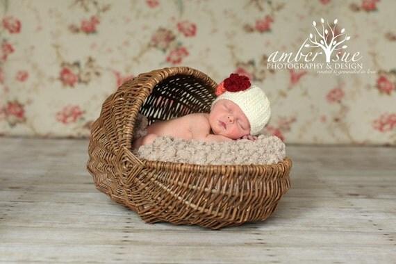 یکنوع عرقچین کوچک کهمحصلین برسر میگذارند کلاه نوزاد کرم با 6 گل قابل تعویض ... سرپا نگه داشتن عکس بزرگ