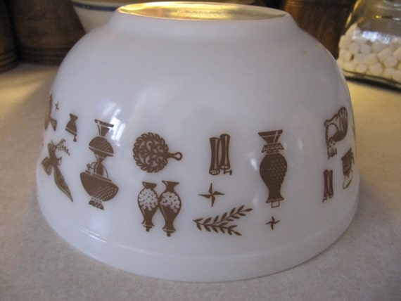 Vintage Pyrex Bowl Cinderella Early American Pattern Dishes Housewares Kitchen Kitschy
