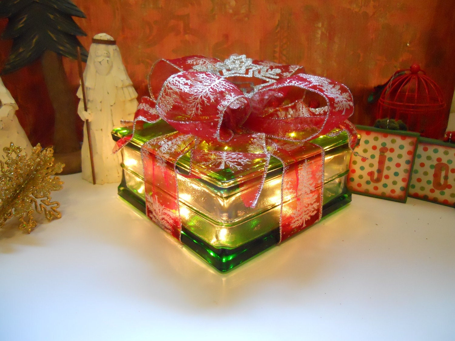 19 ideas for christmas decorated glass blocks the purple pumpkin blog - Glass block decoration ideas ...