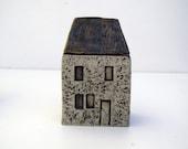 Small Ceramic Farmhouse in Stoneware. OOAK. - BlueMagpieDesign
