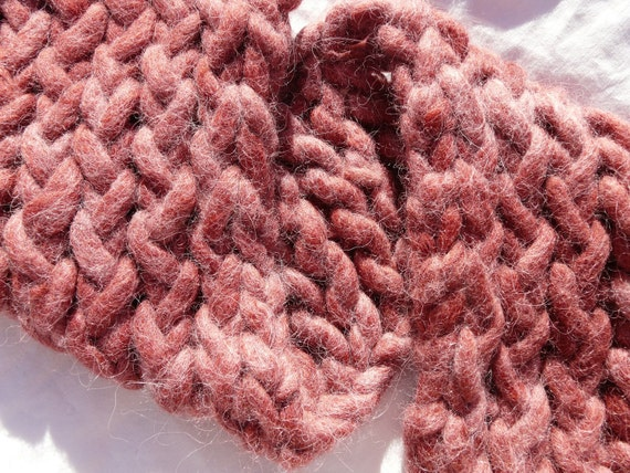 Dark Rose Alpaca Yarn Scarflette