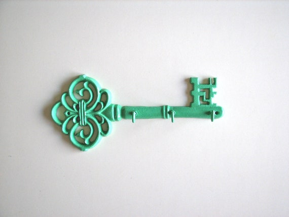 Fancy Key: Key Rack/Holder in pistachio green