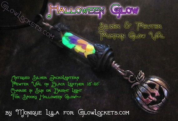 Halloween glow in the dark Jack-o-lantern pumpkin necklace