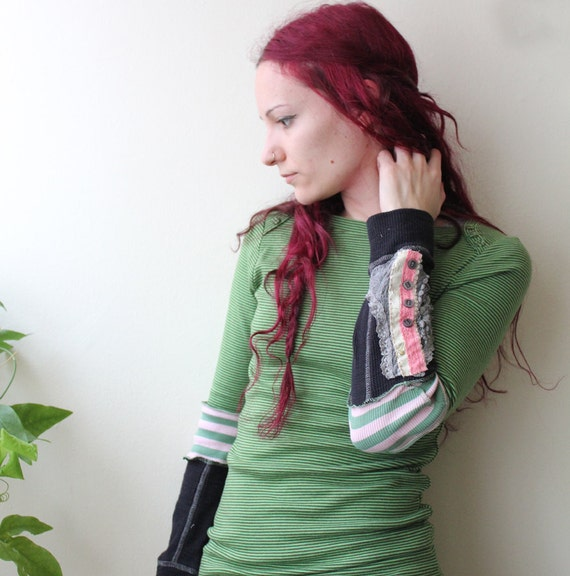 green striped long sleeve thermal with lace button cuff small