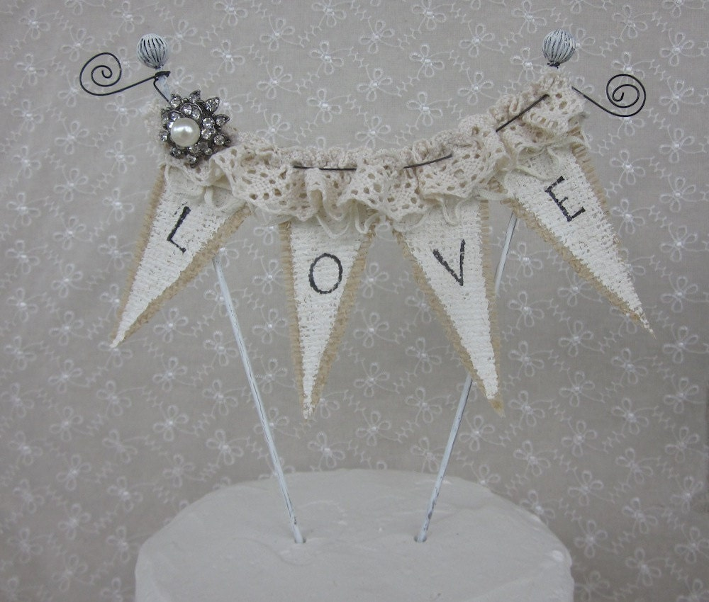 wedding cake toppers love birds