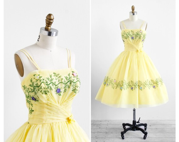 vintage 1950s dress / 50s dress / Yellow Organza Embroidered Garden Path Tea Party Dress