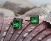 Art Deco Emerald Green Rhinestone Screwback Earrings - SeaCottageStudio