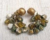 Vintage bead earrings clip-on olive green gold - AVelvetLeaf