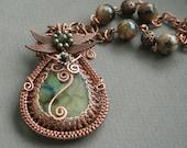 Les Fleurs du Mal - labradorite copper wire wrapped wowen viking knitted bezel pendant - bodzastudio