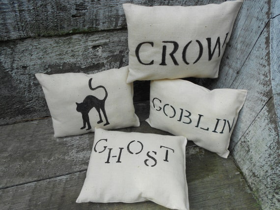 HALLOWEEN PILLOWS - ORNIES -Set of 4 Halloween related Pillow Tucks- Ornies - CottonCreekCottage