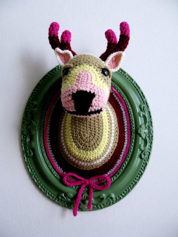 Crochet deer head (Big) in a green frame