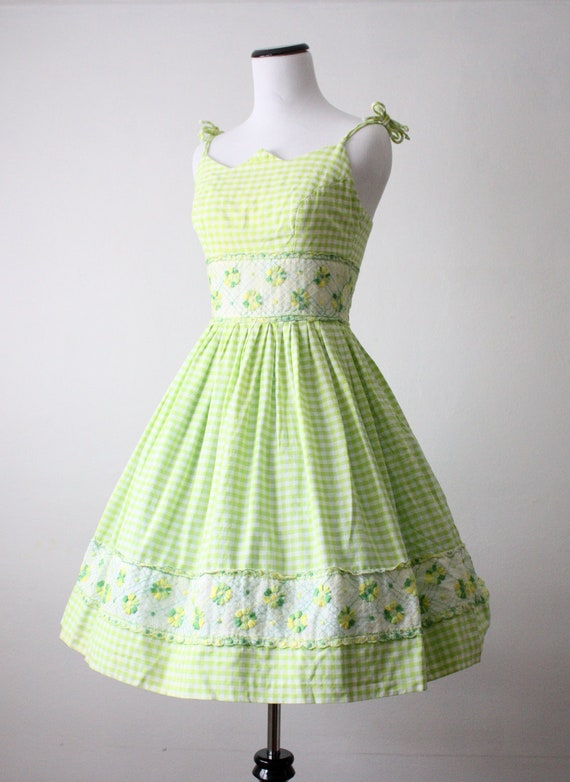 Etsy Treasure Chest: Tuesday Finds - Vintage Dresses on Etsy