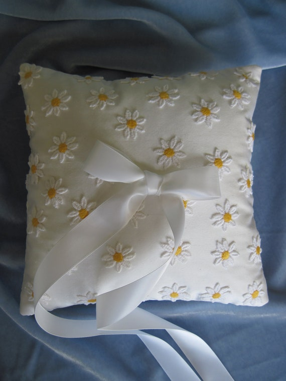 Silk with Yellow Daisy Appliques Ring Bearer's Pillow