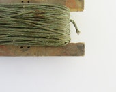 Vintage Rustic Fishing Line with Wood Holder - Modred12