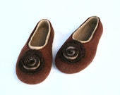 Felted Slippers French roast with handmade crocheted lace - kadabros