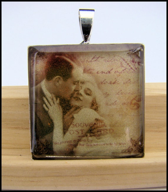 Resin Pendant, Lovers