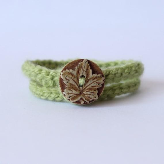 Crochet Wrap Bracelet Green with Wooden Leaf Button