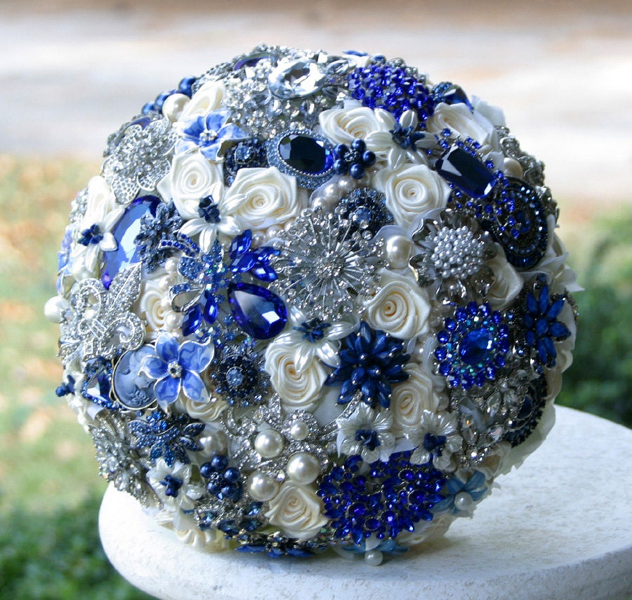 Royal Blue And Gold Wedding Decorations: Bridal Style And Wedding Ideas: Perfect Royal Blue Wedding