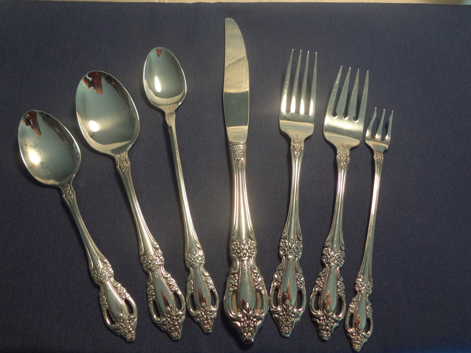 Oneida Flatware Joann Pattern Simple Home Decoration