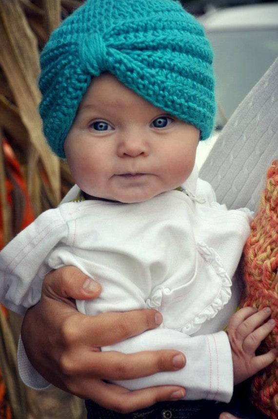Mavi Örgü Bebek Beresi Modeli