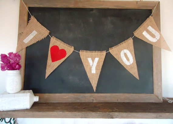 I Love You Triangle Burlap Banner Valentines Day / Wedding / Engagement Sign Garland with hearts Bunting in Red / White Letters
