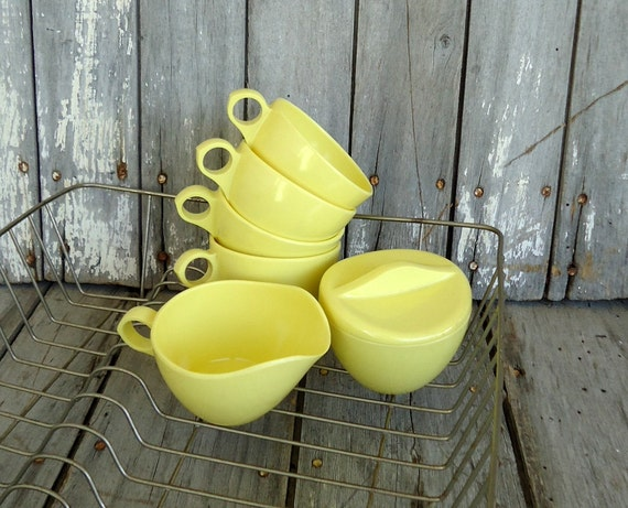 Melmac Cups Mugs Coffee Tea Yellow Lemon Melamine Serving Retro Kitchen Dishes Plastic Covered Sugar Creamer Windsor USA